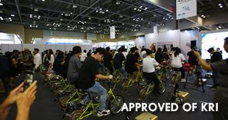 사람의 힘으로 자전거 발전기 페달을 밟아 최대 전력 생산하기